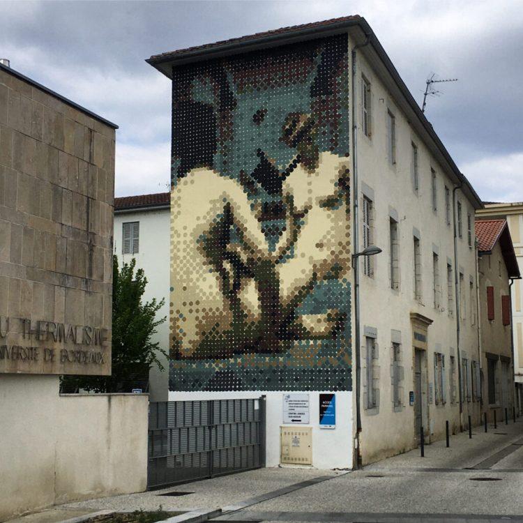 Fresque murale réalisée en pointillisme à Dax par l'artiste Kan_dmv