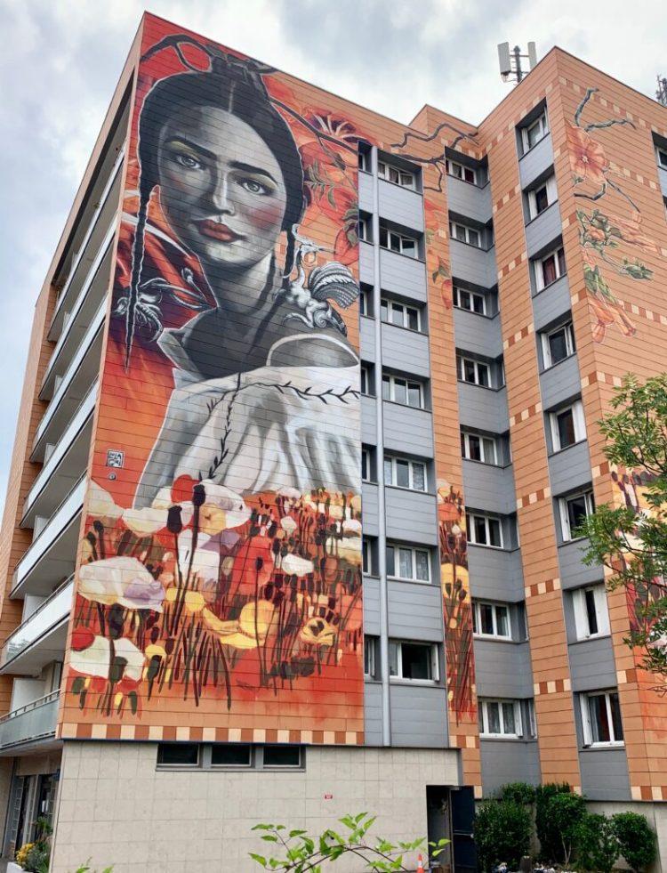 Fresque Murale réalisée par l'artiste Espagnole Lula Goce à Chatou
