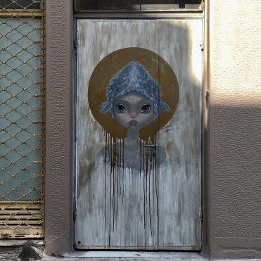 Oeuvre Street Art de Simoni Fontana dans le quartier de Psyri à Athènes
