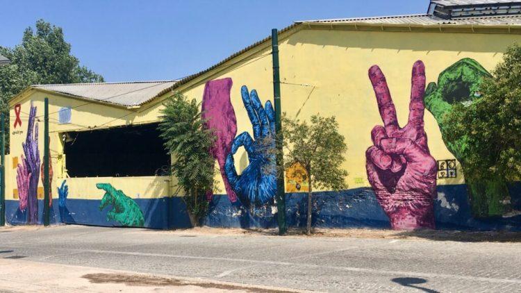 Zerostigma Oeuvre street art pour les malades du Sida à Athènes