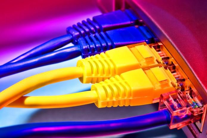 Broadband internet computer
