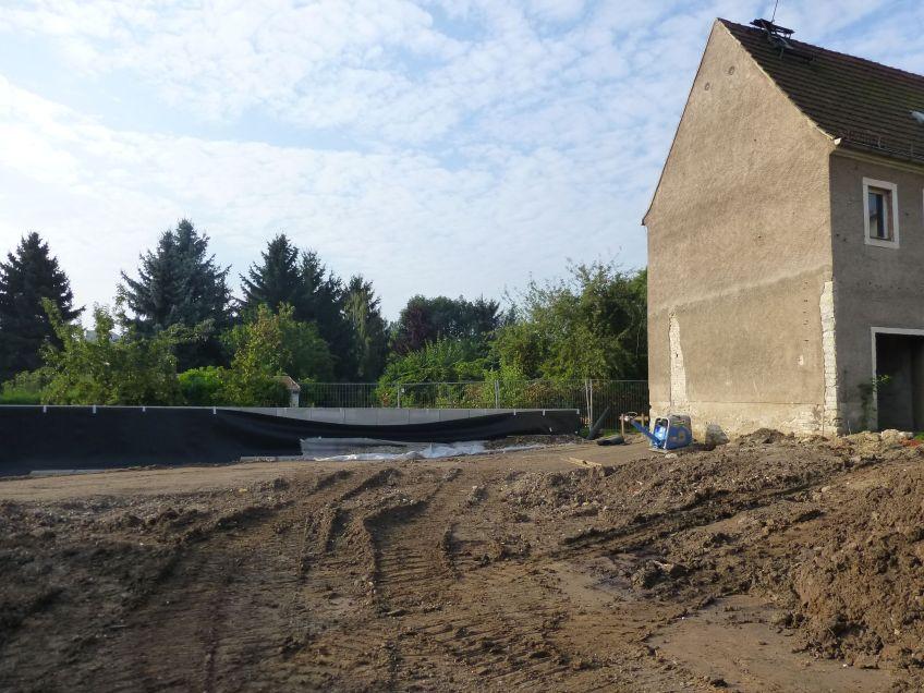 Stützmauer Scheune