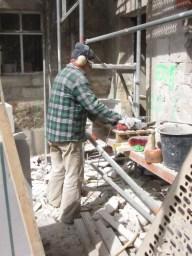 Sandsteinsanierung mit Nachbarschaftshilfe