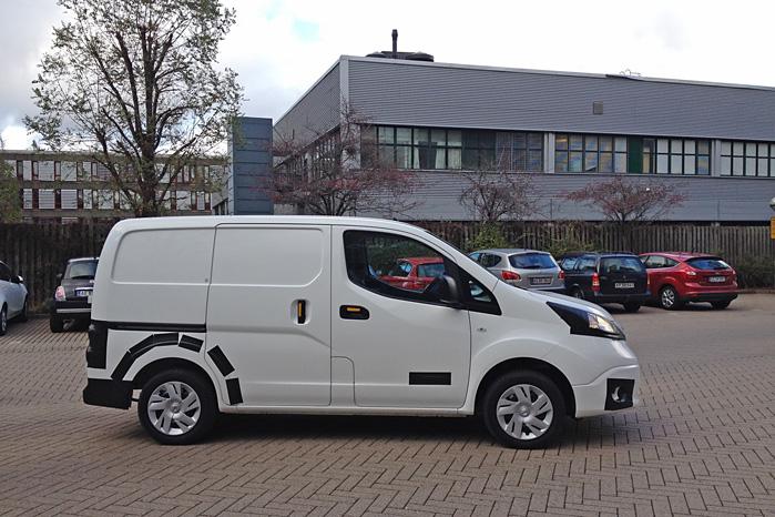 Nissan e-NV200 har været på hemmeligt besøg i København, hvor blandt andre PostDanmark fattede interesse for den eldrevne varebil