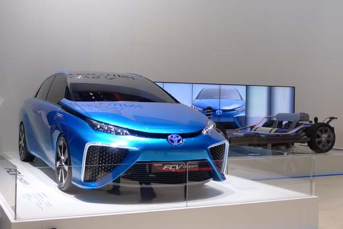 FCV som trækplaster på Toyota-standen i Genève tidligere i år.