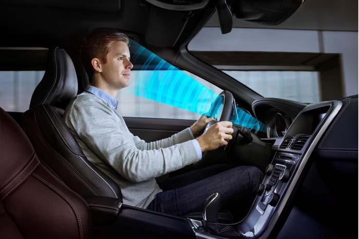 """""""Vågekonen"""" holder et vågent øje med føreren og bidrager til at optimering af køresikkerheden."""