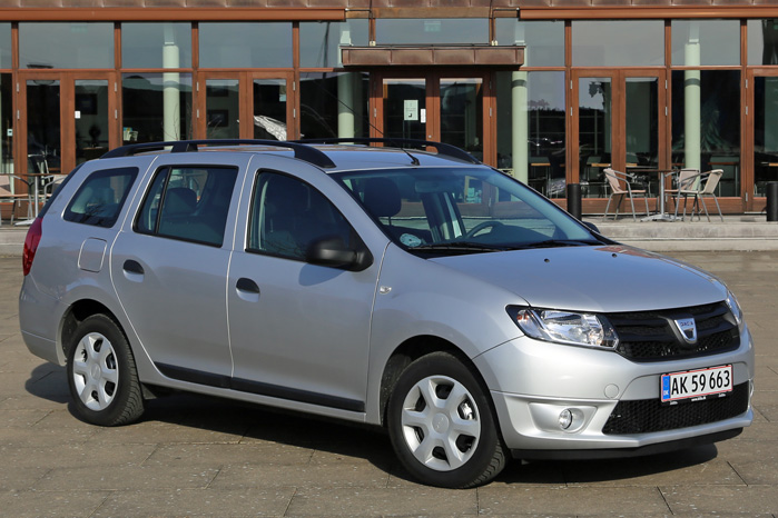 Dacia Logan har markedets laveste pris per kubikmeter varerum, og nu kommer den med en effektiv automatiseret gearkasse til samme pris som resten af programmet - lavpris