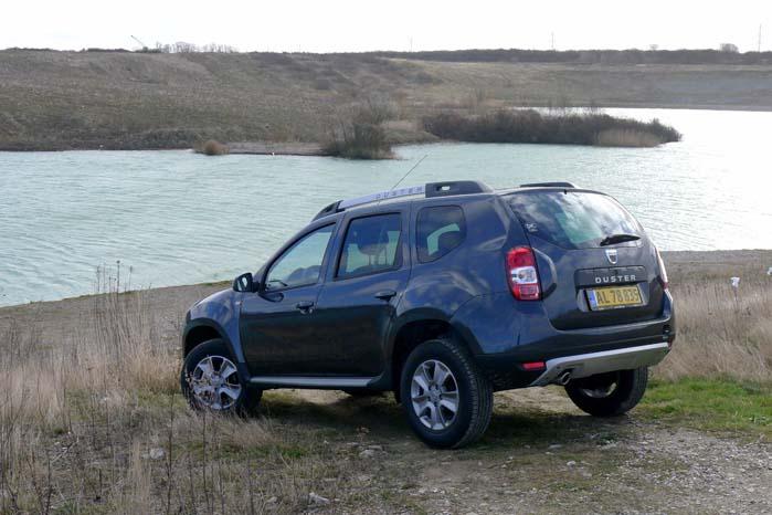Dacia Duster til 140.000 kr. mellem hvide nummerskilte og 90.000 kr. plus moms mellem gule eller 2-farvede skilte. Dét giver plads til lidt ekstra i budgettet.