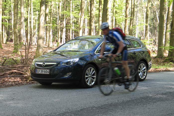 En 5-dørs Opel Astra stationcar anno 2014 er ren i sammenligning med en tilsvarende model fra medio 80'erne. Og Opel arbejder på at gøre den endnu mere stueren.