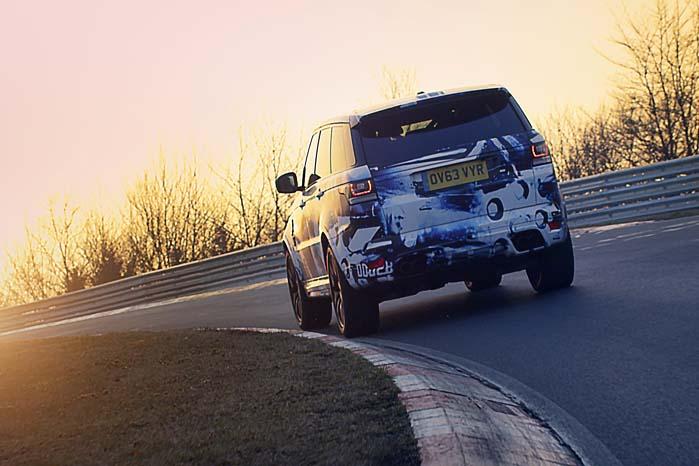 Der er nu produceret over en halv million Range Rover Sport og nu er den hidtil vildeste på vej til Festival of Speed på Goodwood-banen.