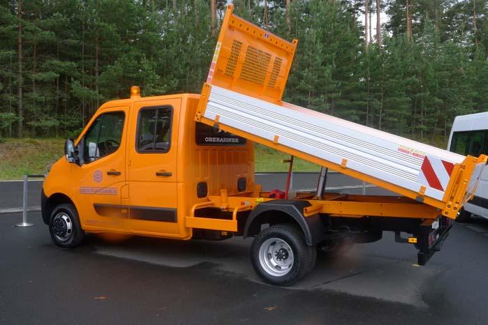 Mandskabsvogn baseret på Movano og med tippelad.