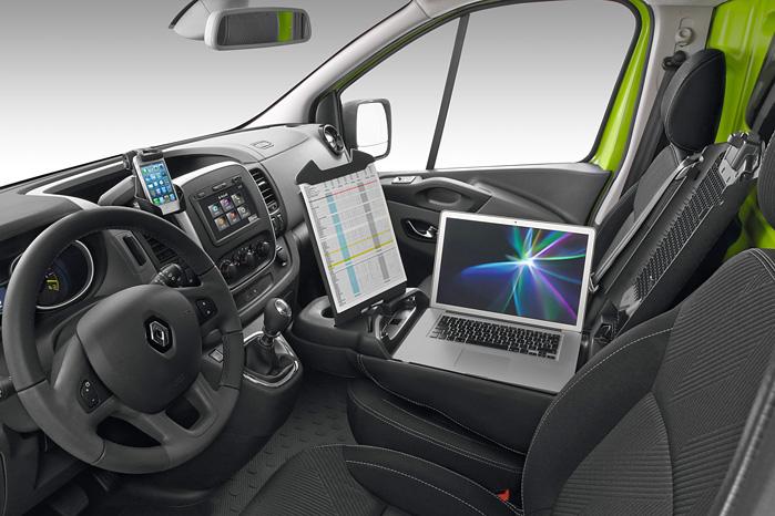 Her er Renaults Mobile Office fuldt udfoldet i P-mode. Under kørslen er det nok bedst at klappe sammen