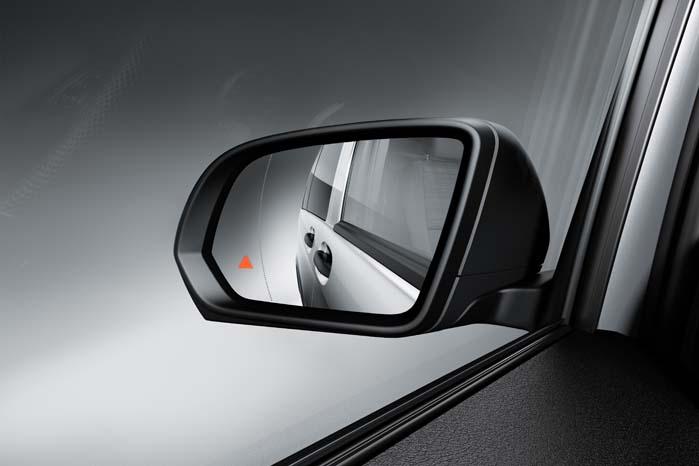 Blindvinkelovervågning er blandt de elektroniske sikkerhedssystemer, som tilbydes med den nye Vito.