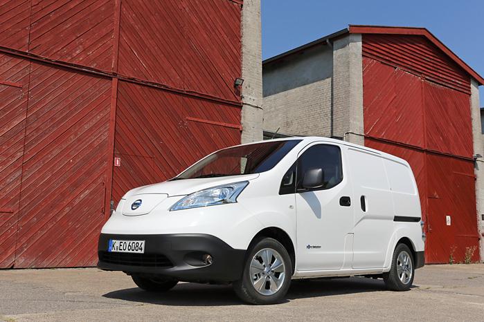 Nissan e-NV200 går reelt omkring 130 km på en opladning og kører 130 km/t og koster under 200.000 kroner før moms