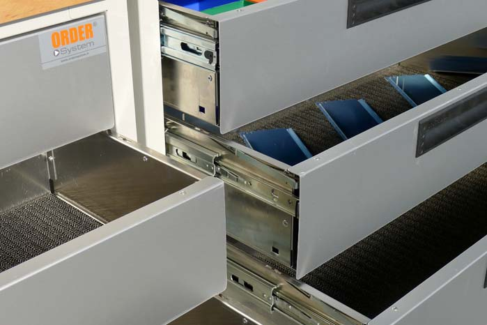 Stel og glidebeslag i stål og resten i aluminium, en kombination som giver en vægtbesparelse på 30 pct.