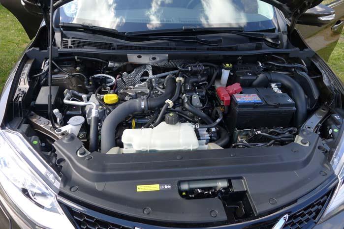 Pulsar kommer i tre motorvarianter: 1,2-liter DIGT benzinmotor med 115 hk , 1,5-liter dCidieselmotor med 110 hk og 260 Nm. Desuden 1,6-liter turboladet benzinmotor med 190 hk - den  kommer primo 2015.