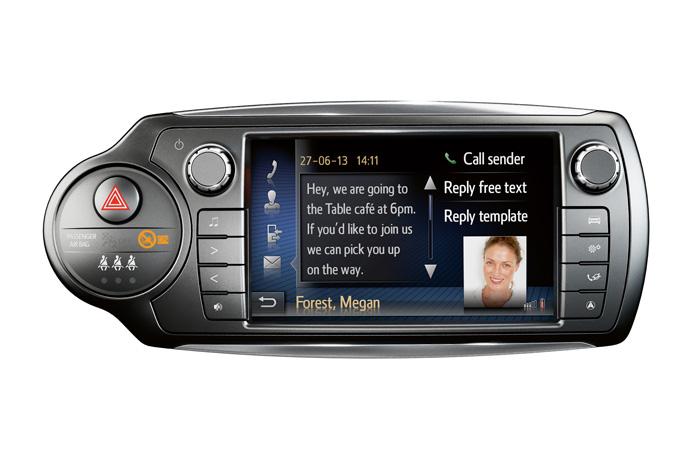 Touch 2 med Mirrorlink, så smartphone spejles i den nye 7-tommers skærm, kan bruges som en nem, lille hjemmestrikket udgave af professionel flådestyring