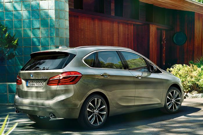 BMW 2 Active Tourer rummer ingen designmæssige overraskelser. Bare en hel masse Active Tourer, for hvordan skulle den ellers se ud med den familie?