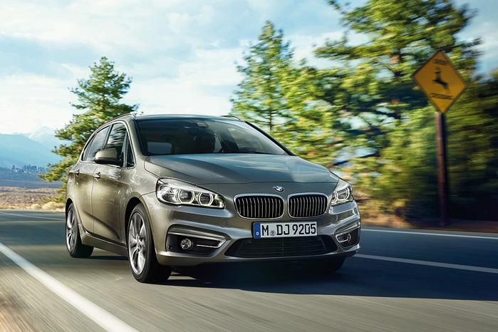 Under hjelmen ligger BMW's nye modul-motor, der kan bruges til både for-, bag- og firehjulstræk med diverse gearkasser