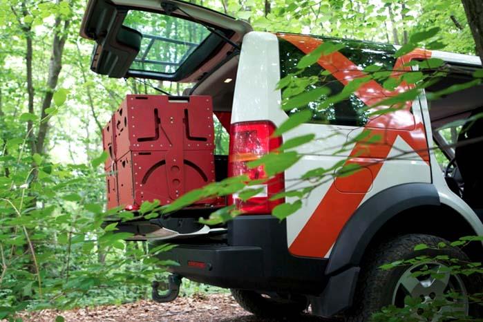 Alternativet til freeTech og easyTech er det luksuriøse highTech-system som her er indsat i en Land Rover Discovery og klar til at folde ud.