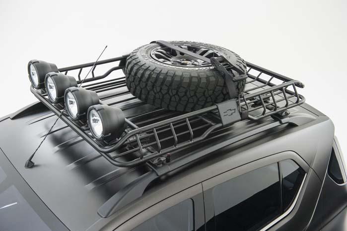 Bagagebæreren på taget af den kompakte konceptbil er i sagens natur ikke gigantisk, men der er da plads til et ekstra reservehjul og lidt gods.