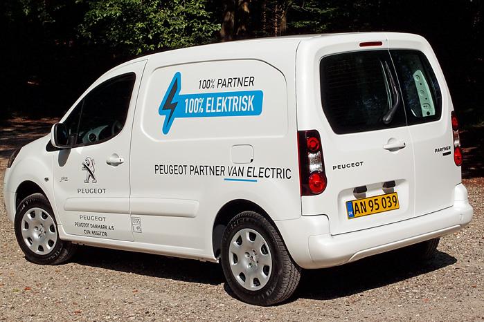 Partner Electric van fås i to længder med varerumsgulv på 180 hhv. 205 cm med tilsvarende varerumsvolumen på 3,3 og 3,7 kubikmeter