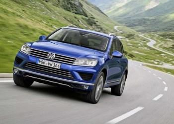 VW Touareg med ny front og andre ændringer i både ydre og adfærd.