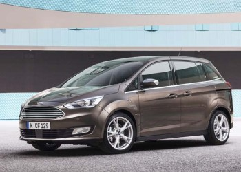 Ford har premiere på den nye S-Max i Paris.