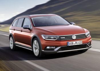 Kåret som årets bedste bilnyhed 2015 - VW Passat - nu også som Alltrack med 4Motion.