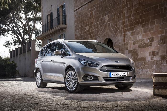 One Ford-fronten giver S-Max et dejligt sporty og dynamisk look. Men den kommer også til at ligne en forvokset Fiesta