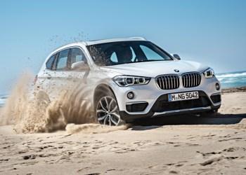 BMW X1 i anden udgave bliver mere kompakt: Kortere, højere og bredere. Blandt andet bliver der væsentligt bedre plads til bagagen, så du kan transportere, mens du har det sjovt