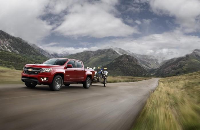 Chevrolet Colorado betegnes  kun som en mellemstor pickup i USA, men den er stadig større end eksempelvis en Toyota Hilux.
