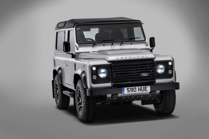 Land Rover Defender nr. to million. Den næste Defender bliver introduceret i 2019.
