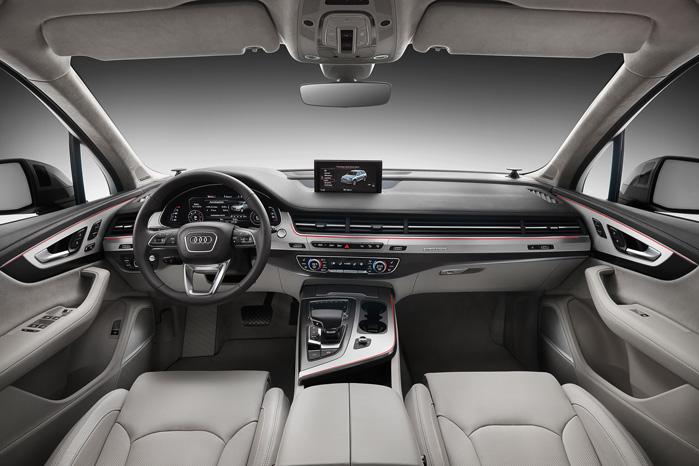 Audi har dert med at sætte nye standarder, når de lancerer en ny Q7, og e-Tron med alt i MMI, TFT, powermeter og virtual cockpit er ingen undtagelse