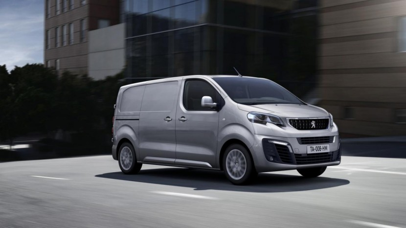Peugeots nye Expert – den sidste bil i trioen fra Citroë/Peugeot og Toyota.