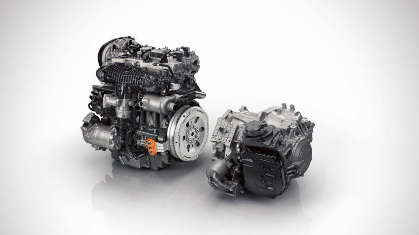 Den 2-liters turbobenzinmotor yder nu 334 hk, mens elmotoren uændret yder 87 hk.