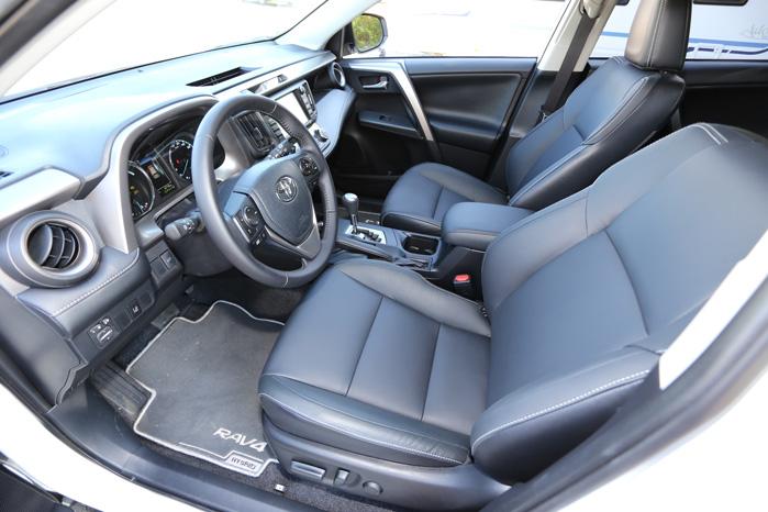 H4-versionen er udstyret med både læder og alle Toyotas fineste sikkerehdsforanstaltninger