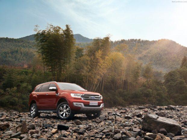 Ford Everest er baseret på Ford Ranger og sælges i visse dele af Asien, Rusland, Sydamerika, Sydafrika og Australien.