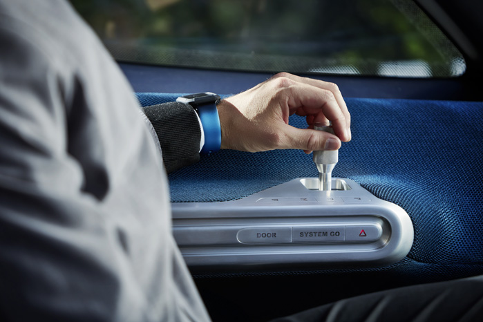 Vision Van er joystick-betjent. Så langt når den næste generation Sprinter nok ikke