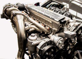 Fordi Freevalve-motoren mangler knastaksler, er den mere kompakt og lettere.