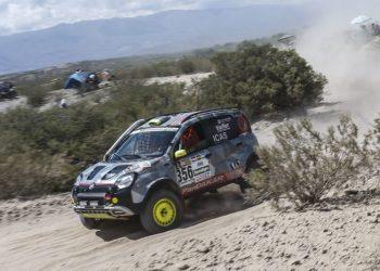 Selvom man er lille, kan man godt være hård! Fiat PanDakar gennemførte Dakar, selvom den var relativt let ombygget.