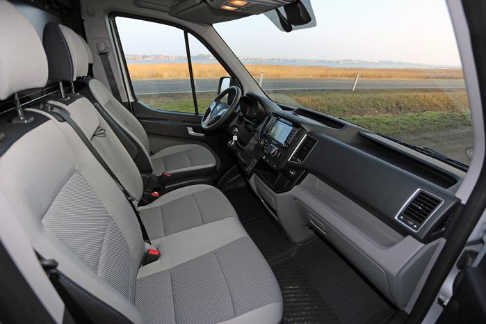 Så smukt kan det gøres. Hyundai har formået en meget veludstyret kabine med masser af aflægningsplads