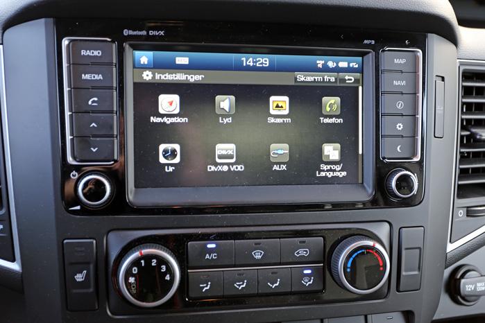 Otte-tommers touchskærm med telefon, GPS og bakkamera bør være en naturlig del af enhver varebils værktøjskasse