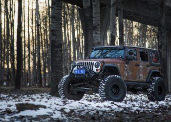 Denne Jeep Wrangler ruller på 37 tommer store dæk. Da den er bestilt af en kineser, kommer den nok til at bruge det meste af sin tid i Beijing eller Shanghai.