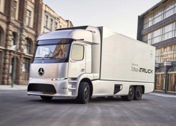 Mercedes Urban eTruck leveres allerede fra i år, og fås med enten samlet vægt på 18 eller 25 tons.