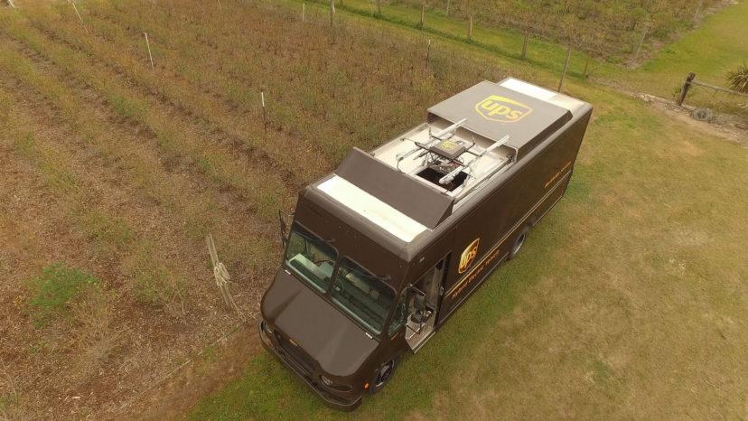 UPS har for første gang leveret en pakke via autonom drone.
