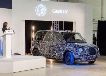 LTC's nye elektriske varebil skal bygges på samme platform som den nye taxi, der her ses i en kreativ foliering