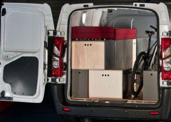 En Citroën Jumpy er møbleret og klar til udflugt