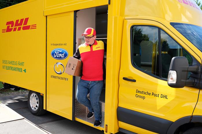Føreren får adgang til varerummet gennem sidedøren og direkte fra en bagdør i kabinen