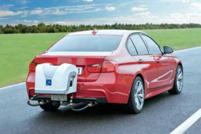 PEMS (Portable Emissions Measurement System) er monteret på bilen, mens den kører. Foto: AVL